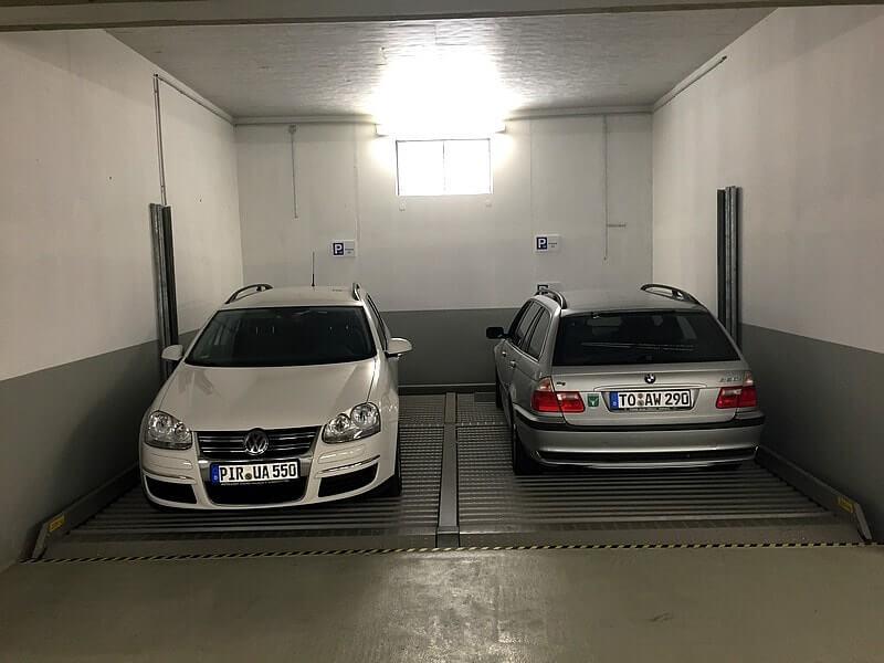 Kostenloser Parkplatz (Doppelparker), jeder Ferienwohnung fest zugeordnet