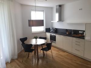 Küche und Essbereich Wohnung 13