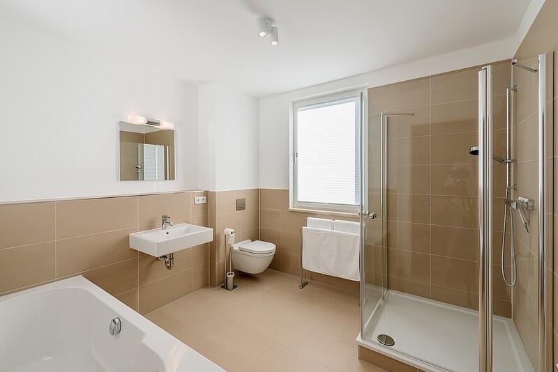 strandhaus-seeblick-binz-wohnung13-badezimmer Ferienwohnung 13
