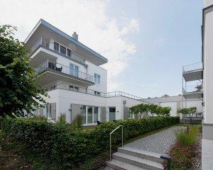 villa-seeblick-binz-aussen-006-min-300x240 villa-seeblick-binz-aussen-006-min
