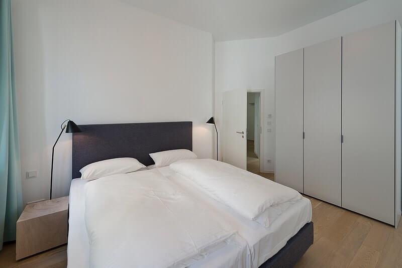 Großes Schlafzimmer 2 Wohnung 03